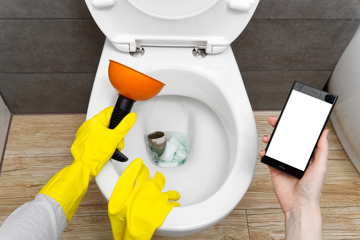things-to-avoid-putting-in-toilet